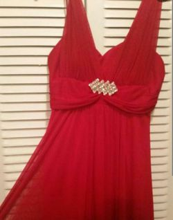 **Reduced** Beautiful Red Gown!! Thumbnail