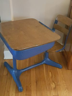 Kids vintage school desk for Sale in MIDDLEBRG HTS, OH