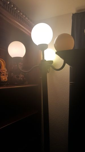 Antique Globe light for Sale in Phoenix, AZ