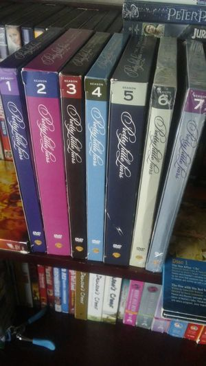 Pretty little liars complete series set for Sale in Las Vegas, NV