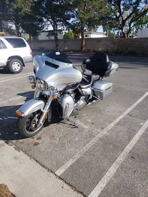 Photo 2015 Harley Davidson electra Glide ultra classic low