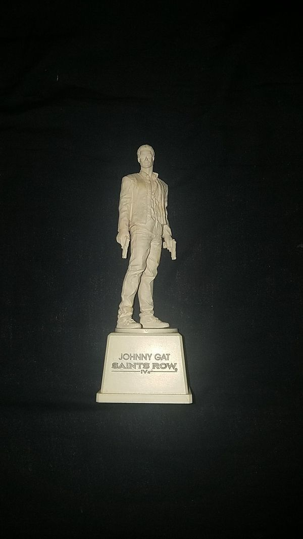 Saints Row 4 Johnny Gat White Statue For Sale In New York Ny Offerup