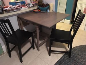 Small dining table for Sale in Washington, DC