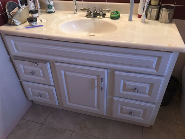 Bathroom vanity and faucet for Sale in Denver, CO - OfferUp