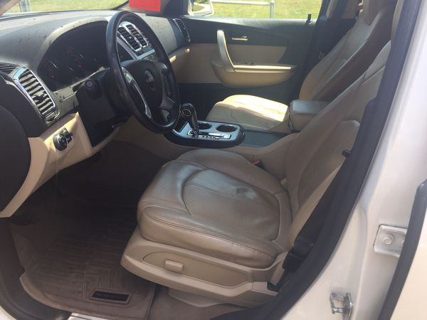 2010 gmc acadia cars trucks in greensboro nc offerup. Black Bedroom Furniture Sets. Home Design Ideas