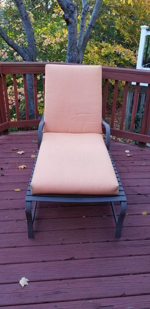 METAL, OUTDOOR CHAISE AND LOVESEAT for Sale in Sterling, VA