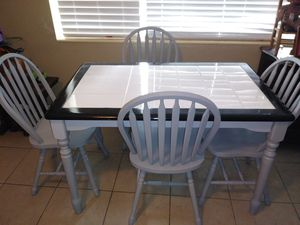 Table and Chairs for Sale in Fort Lauderdale, FL