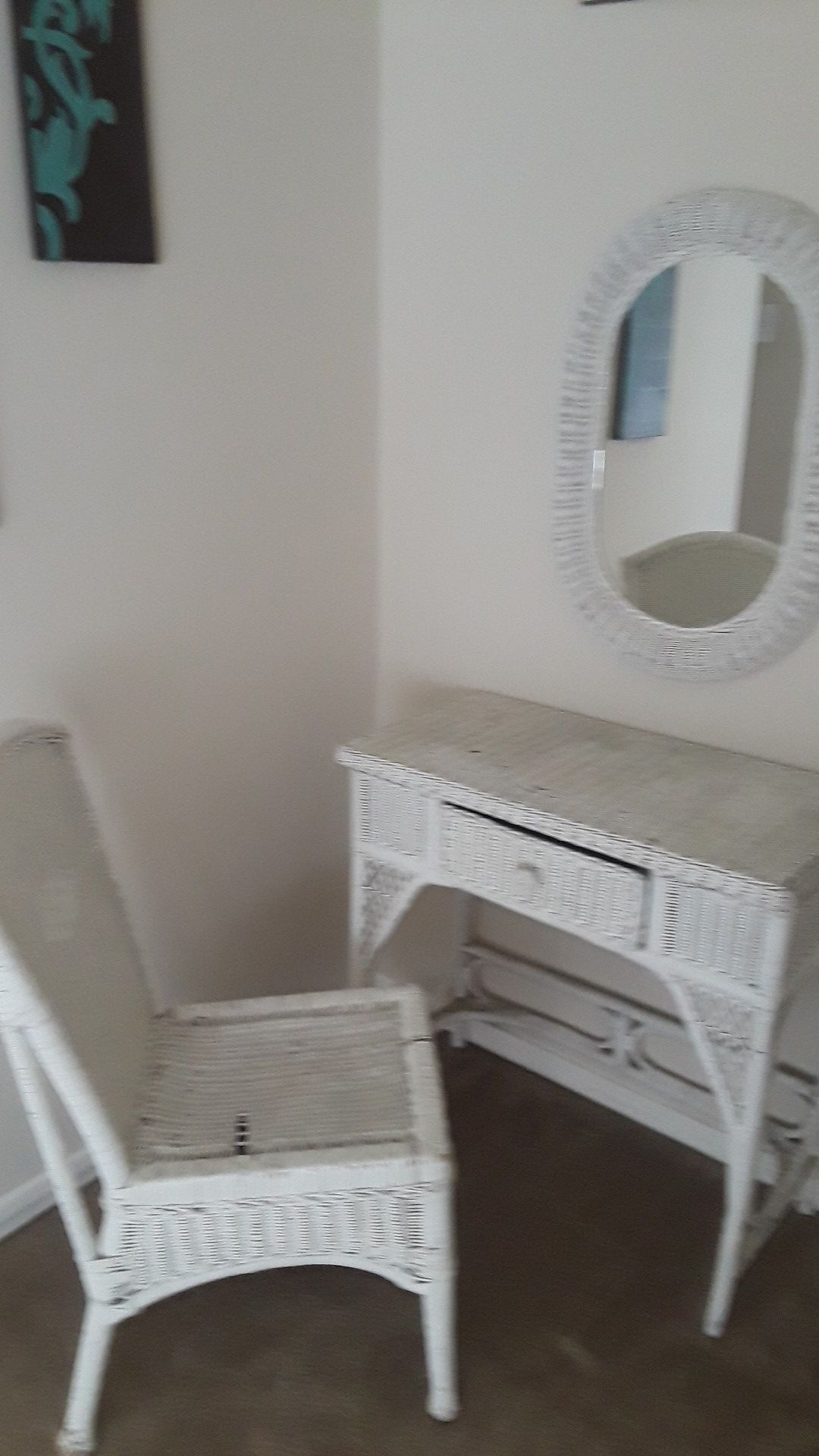 Wicker vanity and Stand up mirror