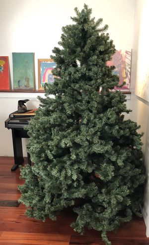Artificial Christmas tree 7 feet for Sale in Egg Harbor Township, NJ