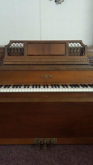 🌺 Lowrey Piano for Sale in Dillwyn, VA
