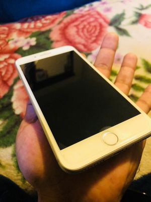 iPhone 8 64 gb T-Mobile or simple mobile 390$ for Sale in Alexandria, VA