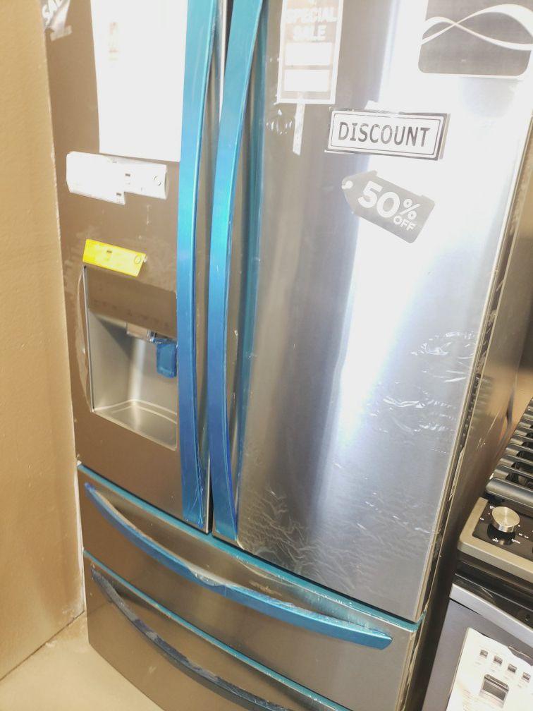 2018 Kenmore 4 doors refrigerator
