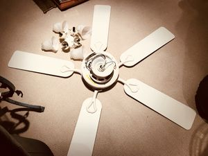 Ceiling fan with 4 light light fixtures beautiful classic fan for Sale in Rockville, MD