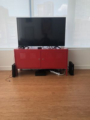 50 inch Tv with tv stand for Sale in Boston, MA