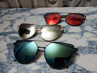 3 pair of Oversized Frame Cat Eye Sunglasses Thumbnail