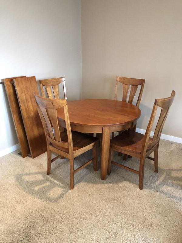 Dining Table And 4 Chairs For Sale In Monroe Wa Offerup