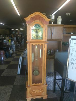 Grandfather clock. for Sale in Las Vegas, NV