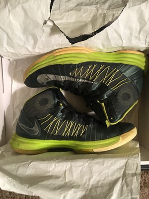 Nike Hyperdunk 2012 green volt for Sale in West Covina, CA