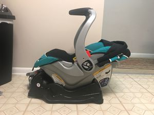 Infant car seat for Sale in Woodbridge, VA