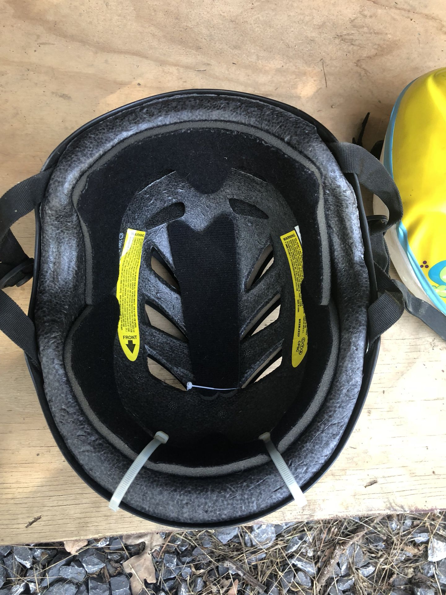 Mongoose helmet
