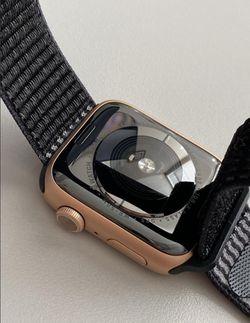 Apple watch series 5 Thumbnail