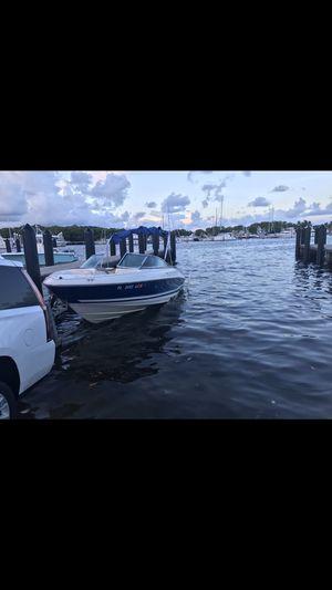2000 monterrey montura 20 ft. engine volvo penta 5.0. perfect engine for Sale in Miami, FL