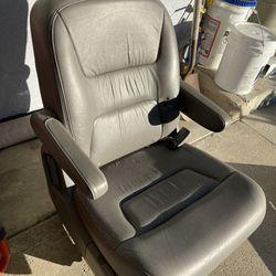 2 Middle Leather Seats Honda Odysey Thumbnail