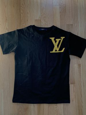 dc3fadbc3a16 LOUIS VUITTON Brick Printed Tee Shirt Size Small for Sale in Boston