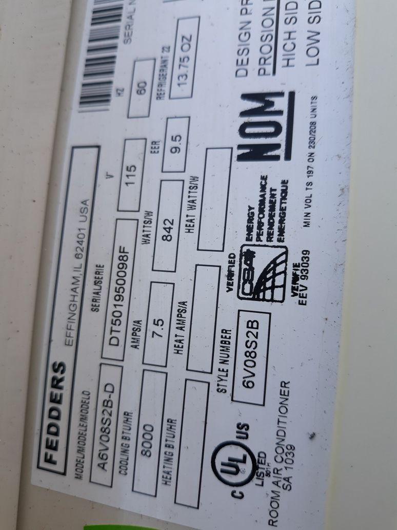 LIKE NEW 10000 BTU AIR CONDITIONER MADE FOR SLIDER WINDOWS