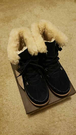Womens lace-up snow boots size 6 Navy for Sale in Ashburn, VA