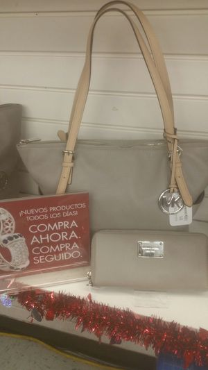 Michael kors purse and wallet for Sale in Orlando, FL