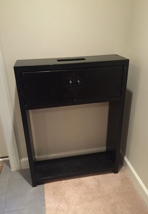 Console table for Sale in Lincolnia, VA