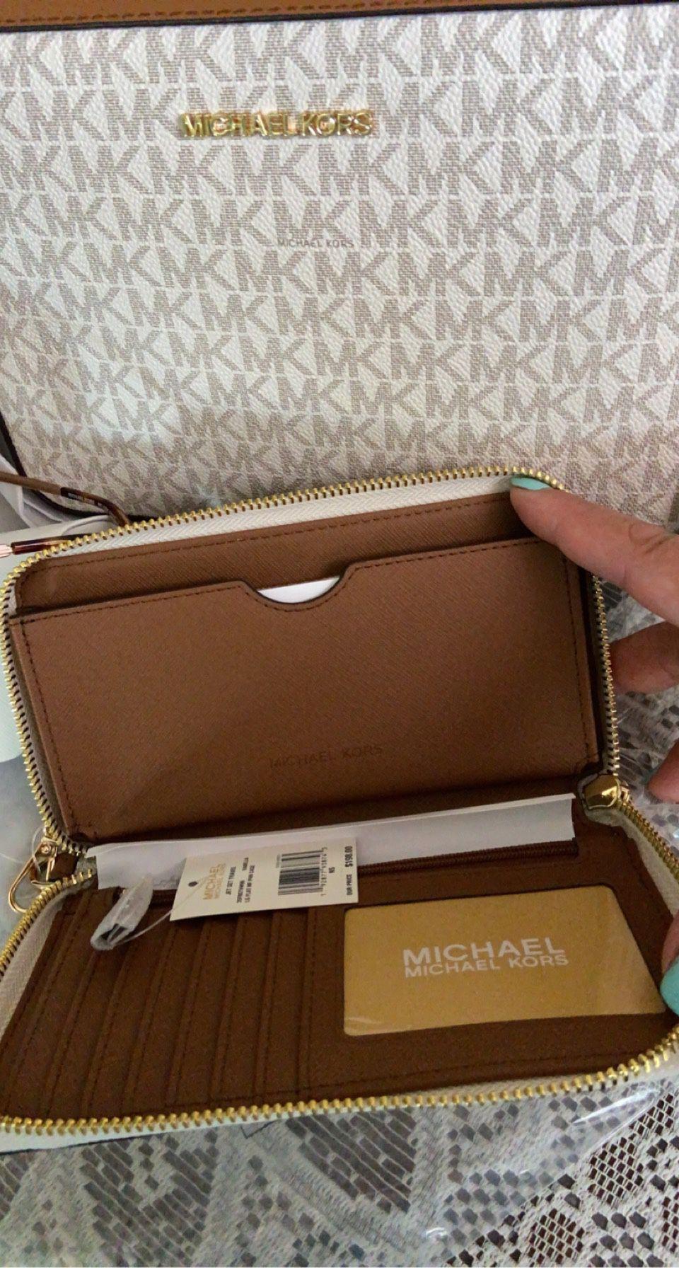 New!!!! Michael Kors Crossbody, Wallet And Glasses