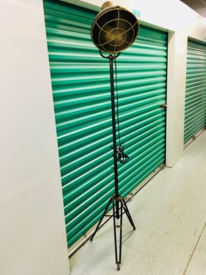 New Metal Floor Lamp Rustic style Nadeau for Sale in MONTGOMRY VLG, MD