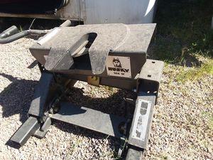 16k husky slider hitch for Sale in Laveen Village, AZ