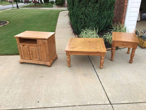 Broyhill Fontana Coffee Table End Table And Entertainment