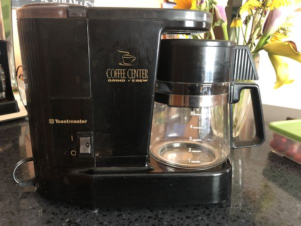 Toastmaster electric coffee maker with attached coffee ...
