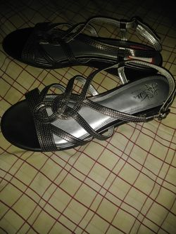 Life Stride brand sandals size 11 never worn Thumbnail