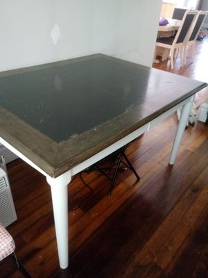 Table for Sale in East Carondelet, IL