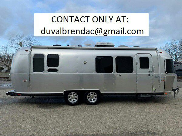 Photo hrtdg2015 Airstream Flying Cloud 28 Camping Trailer RV