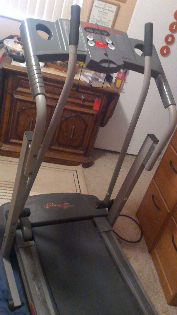 Treadmill Pro-Form Crosswalk 325 with Manual for Sale in Miami, FL - OfferUp