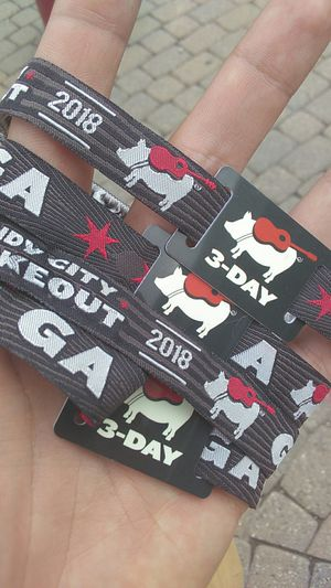 WINDY CITY SMOKEOUT GA WRISTBANDS for Sale in Chicago, IL