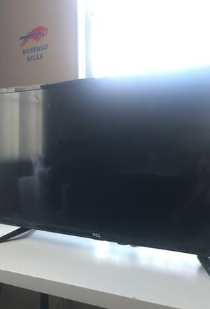 New Tv works fine desk Tv for Sale in Laveen Village, AZ
