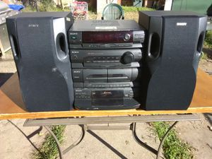 300 Watts Sony stereo system with 5 discs CD player for Sale in Washington, DC