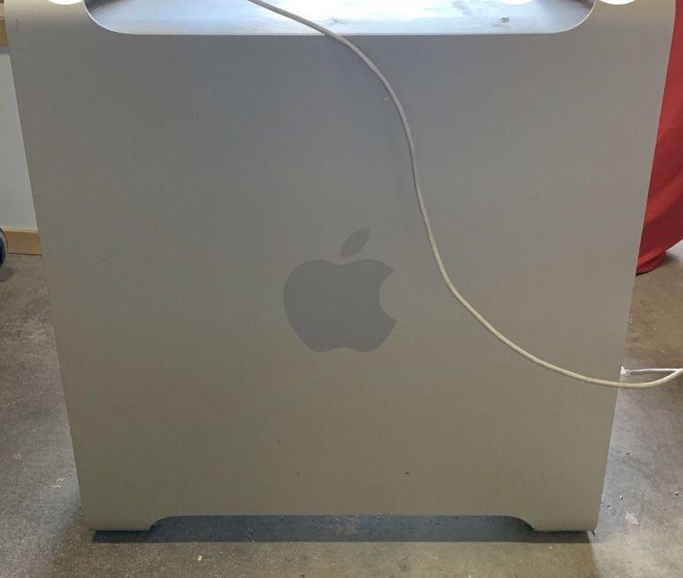Mac Pro A1106
