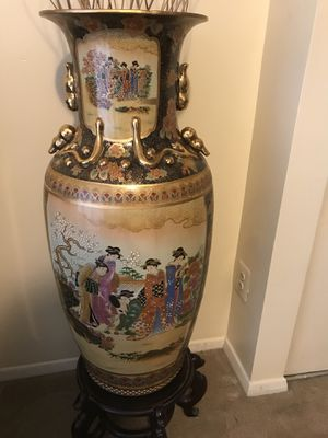 "55"" tall x44""widths set of 2 stunning impressive large vases antique satsuma hand painted with gold and enamel glaze figures for Sale in Montgomery Village, MD"