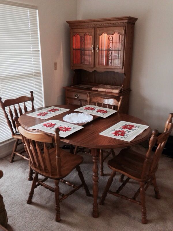 Cochrane Oak Dining Room Table, Leaf, 4 Chairs for Sale in ...