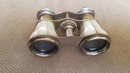 Antique Mother Of Pearl Opera Glasses Thumbnail