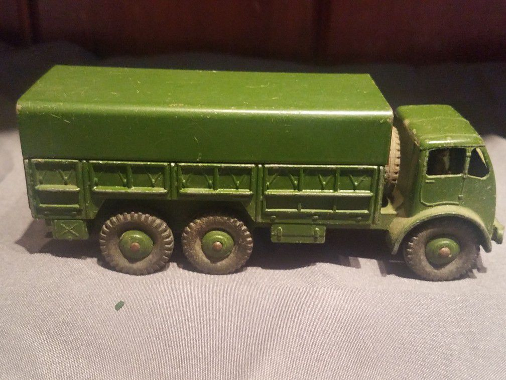Dinky Toys Military Army 10 Ton Truck #622 Diecast metal toy Vintage