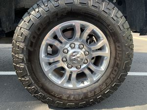 Photo 18 inch tires and wheels